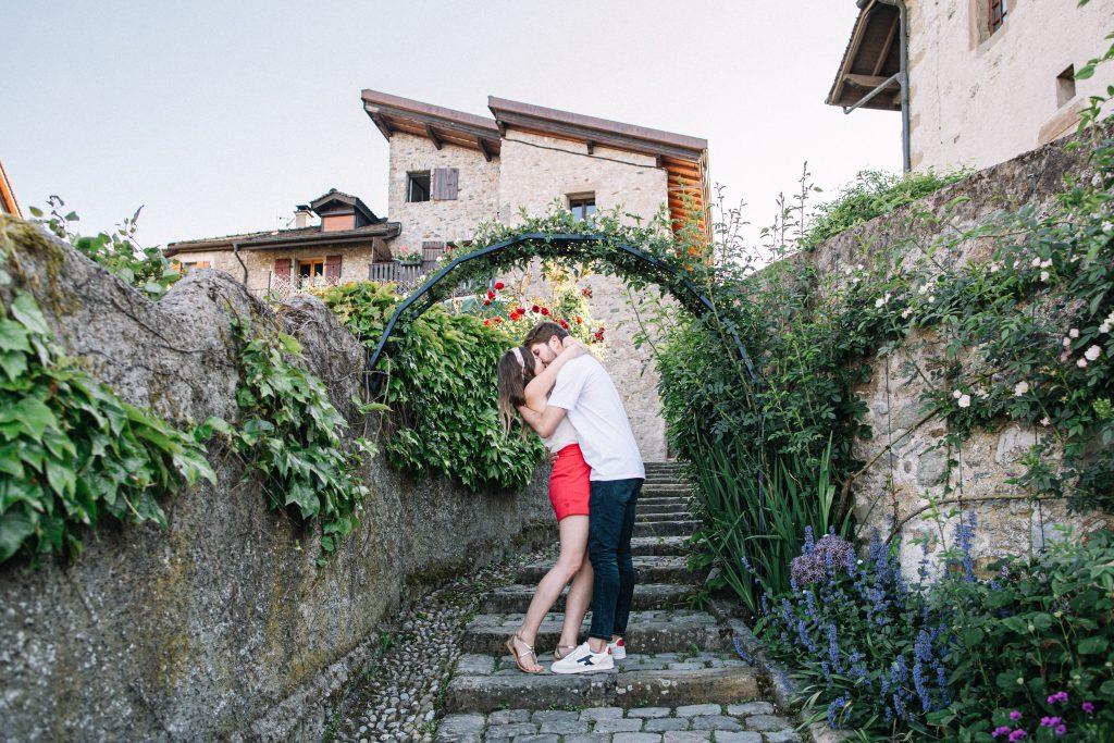 seance photo de couple a Yvoire